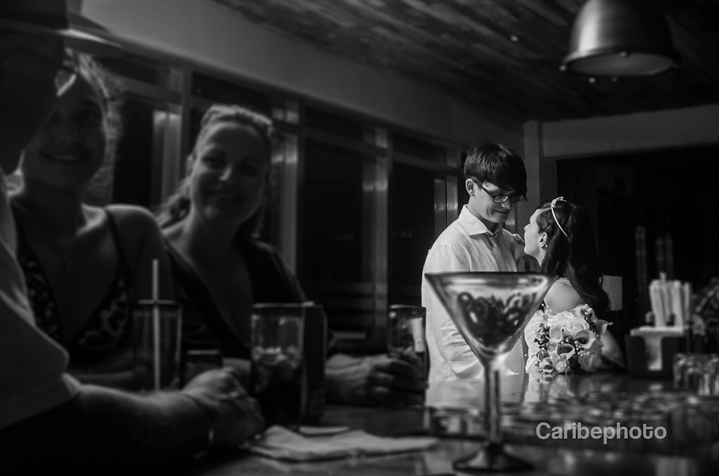 6-wedding-photography-riviera-maya-bar